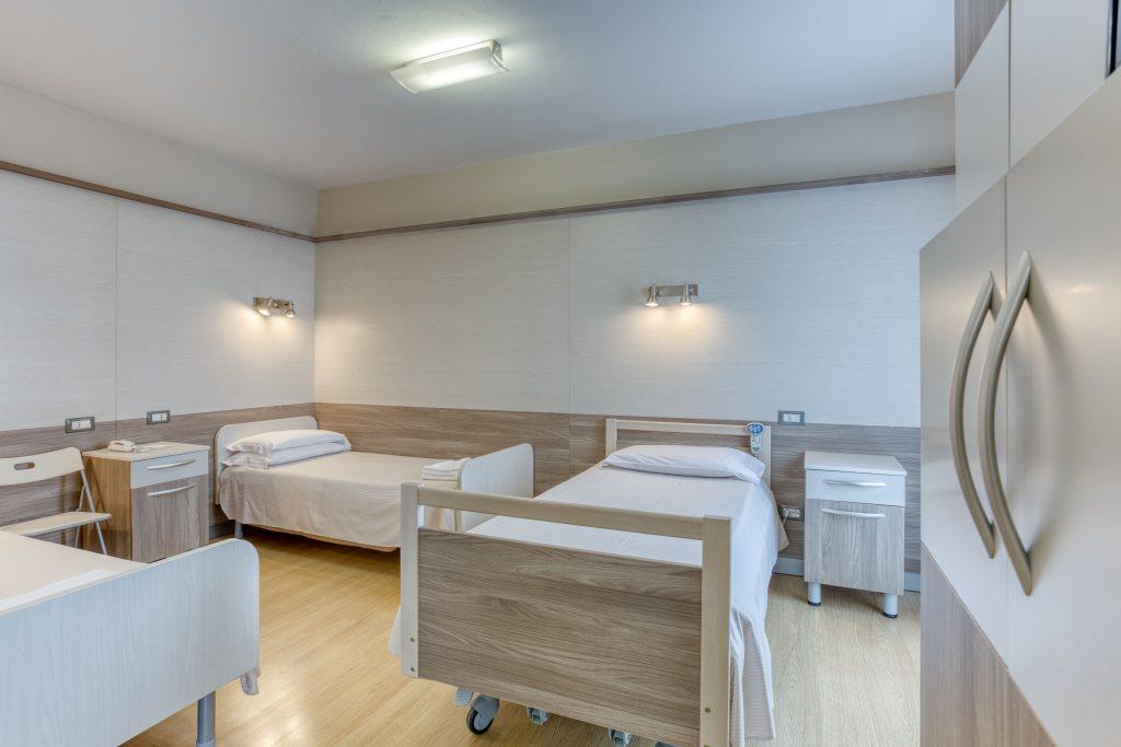 """Zona notte stanze """"su misura"""" per pazienti con problemi motori e/o obesi - fine costruzione gennaio 2020"""