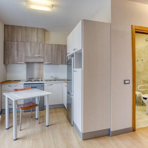 """Zona pranzo stanze """"su misura"""" per pazienti con problemi motori e/o obesi - fine costruzione gennaio 2020"""